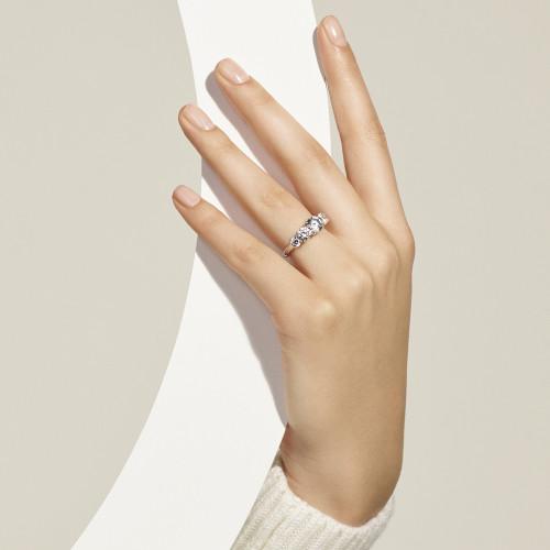 Bagues de fiançailles or blanc - trois diamants synthétiques - Courbet