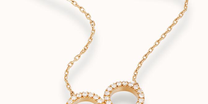 Collier - Or jaune 18K (4,90 g), diamants 0,36 cts - Mouvement - Courbet