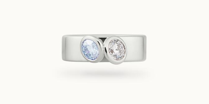 Bague 2 Courbet - Or blanc 18K (7,00g), 2 diamants (1 bleu) 1ct - Face
