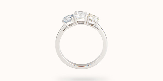 Bague solitaire Trio - Or blanc 18K (4,30 g), 3 diamants 1,45 cts - Profil