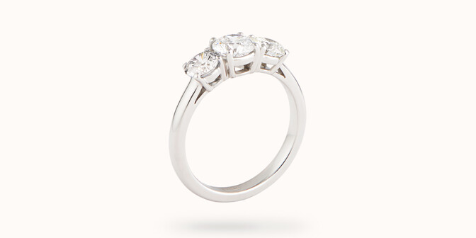 Bague solitaire Trio - Or blanc 18K (4,30 g), 3 diamants 1,45 cts - Côté