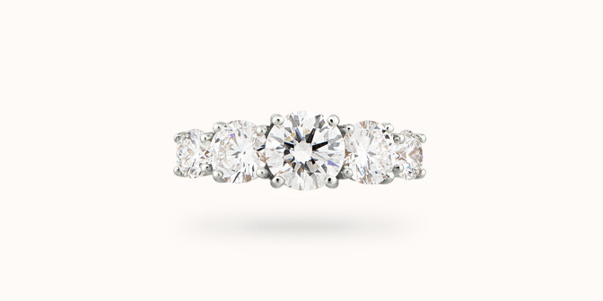 Bague solitaire Quintet - Or blanc 18K (4,50 g), 5 diamants 1,20 cts - Courbet