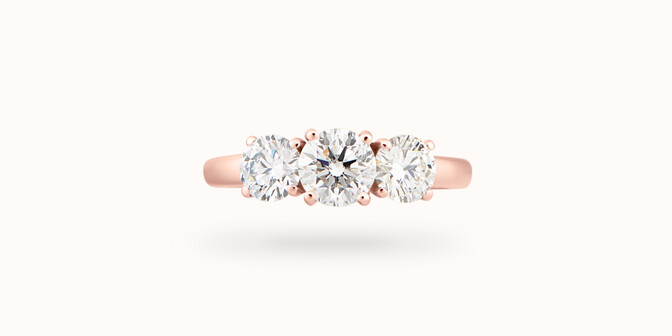 Bague solitaire Trio - Or rose 18K (4,30 g), 3 diamants 1,45 cts - Face