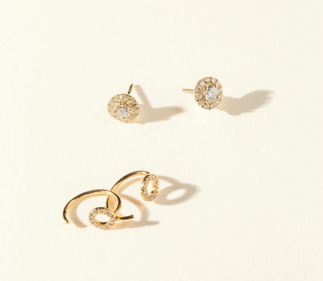 Boucles d'oreilles - Or jaune 18K (2,50 g), diamants 0,55 carat - Vue 2