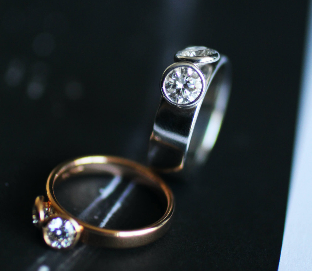 Bague 2 Courbet - Or blanc 18K (7,00g), 2 diamants 1ct - Vue 5