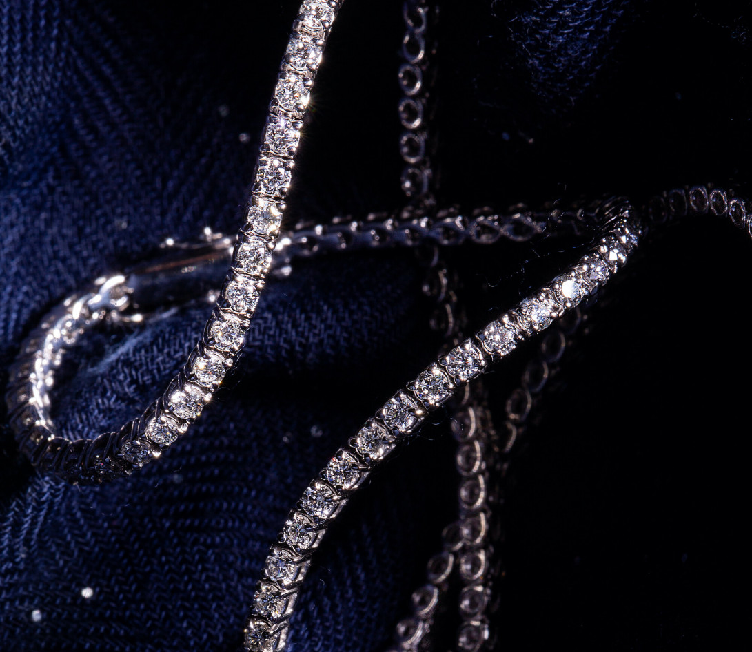Collier Or Blanc et Diamants de synthèse 7 cts - Rivière - Courbet- Ambiance
