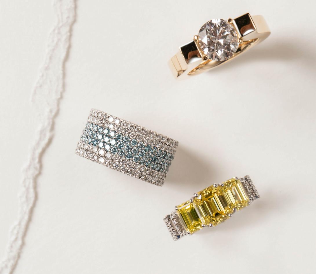 Bague Haute Joaillerie - Or blanc 18K (4,10 g), diamants jaunes et blancs 4,10 cts - Vue 5