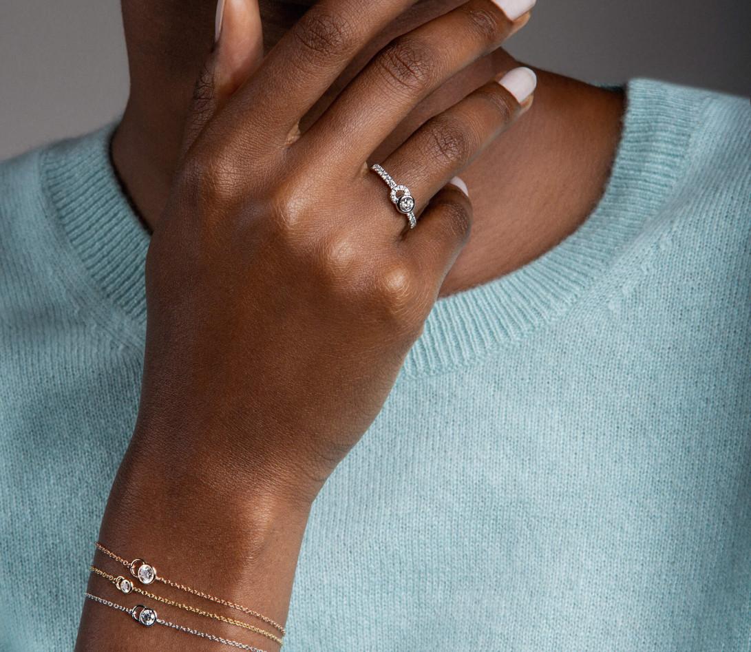 Bracelet CO - Or rose 18K (1,50 g), diamants 0,1 cts - Vue 3